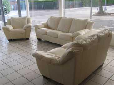 Leggere un annuncio proposta di vendita divano 3 posti - Divano in spagnolo ...
