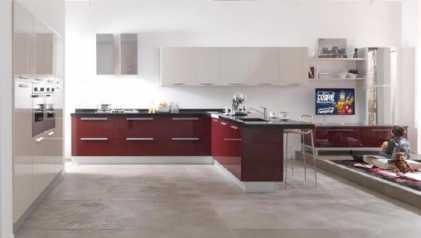 Leggere un annuncio proposta di vendita mobile da cucina - Cucina laccata rossa ...